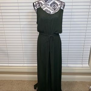Signature weekend olive green maxi dress